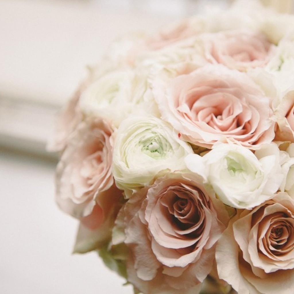Rose Avalanche E Ortensie : Bouquet per la sposa oro matrimoni da sogno